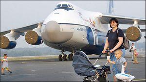 Чи потрібен авіаквиток дитині